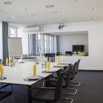 DIskussionsraum mit Einwegspiegel im m-s Teststudio München